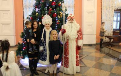 Дети малоимущих семей мечтают о новогодних подарках!