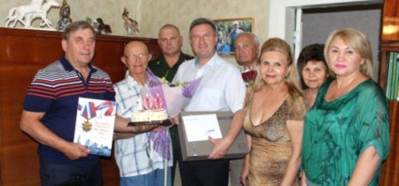 100 летний Герой!